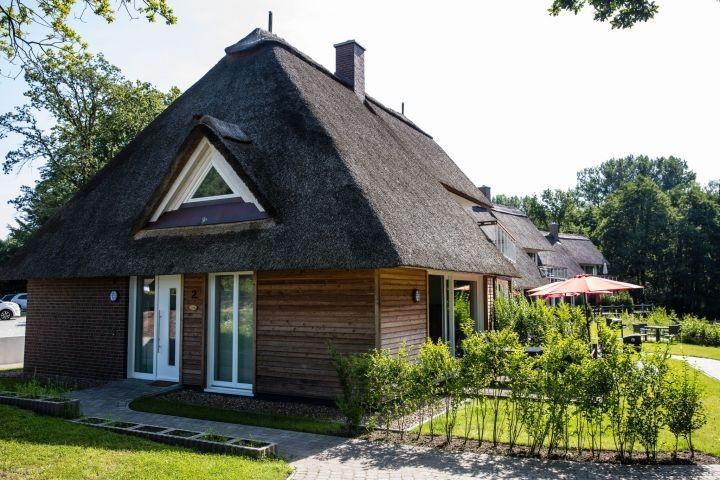 Aussenansicht Haus Rainbow mit Terrassen