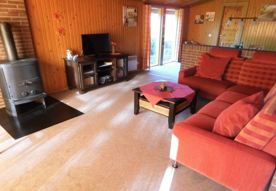 Großer, offener Wohnbereich - Hundefreundlich mit Teppichboden ausgelegt