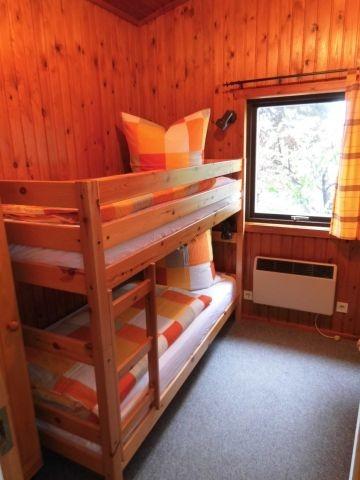 Stabiles Etagenbett mit jeweils 90 cm x 200 cm Bett