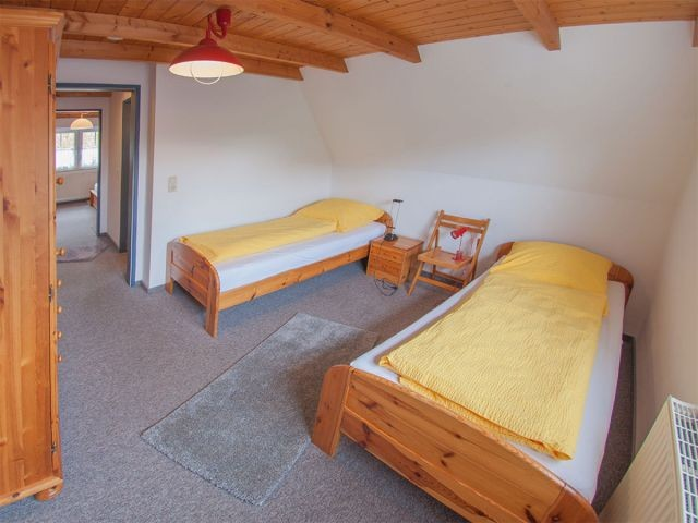Schlafraum 2 mit zwei Einzelbetten