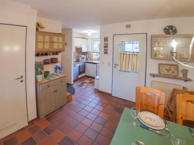 Küchenzeile komplett ausgestattet