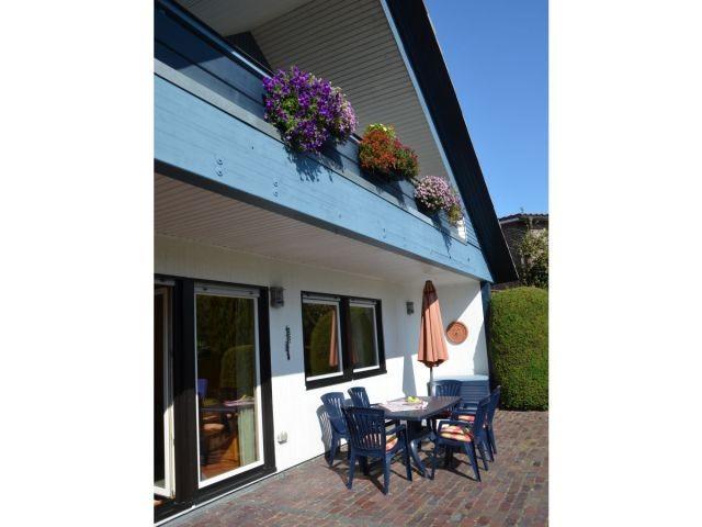 Schöne Terrasse Haus Friesenblau