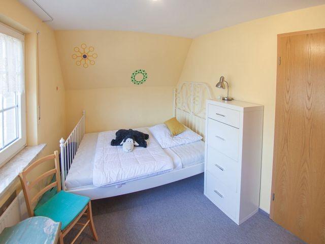 ... und 140x200 Bett