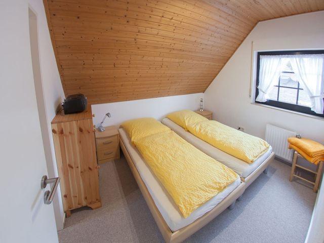 Schlafzimmer 2 mit Doppelbett (auseinander zu stellen)