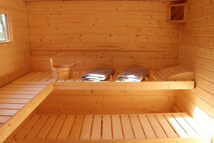 sch ne gro e ferienwohnung in ortsrandlage. Black Bedroom Furniture Sets. Home Design Ideas