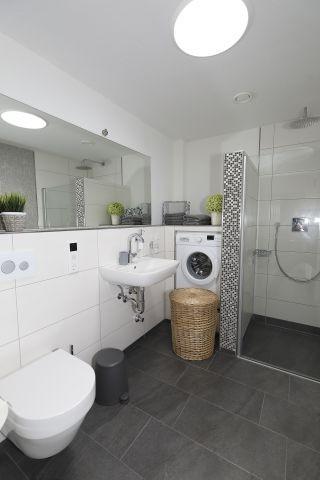 Badezimmer mit Tageslichtspot