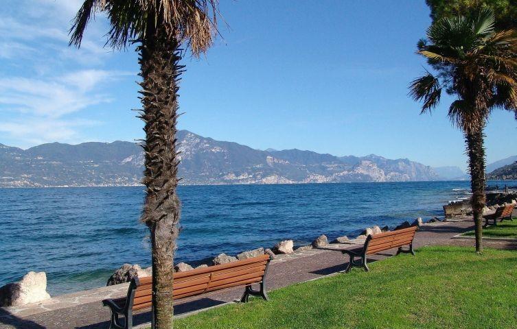 die Strandpromenade nach Peschiera