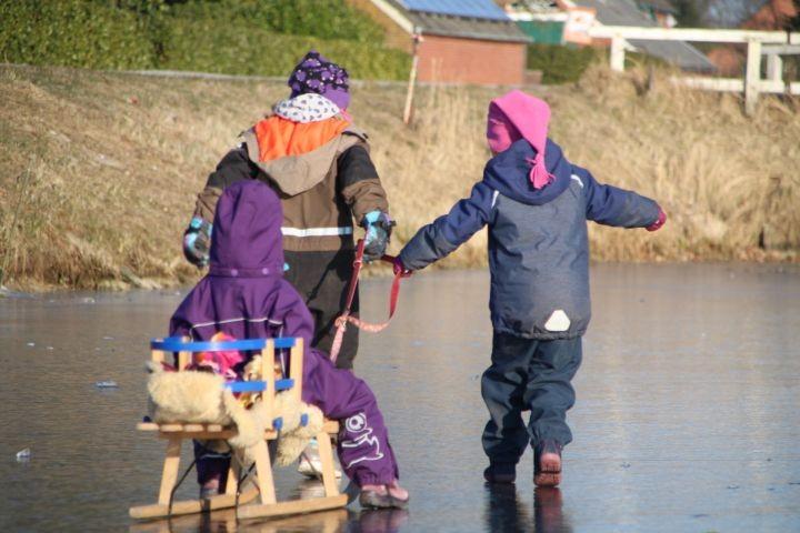 Januar 2018 Eislaufen direkt vorm Haus