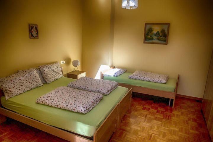 Doppelschlafzimmer mit Einzelbett Mimosa