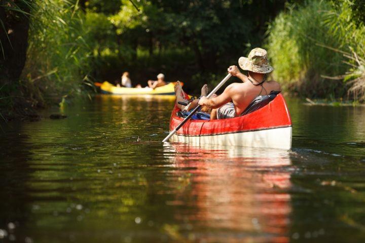 entspannt Kanu fahren auf der Lahn