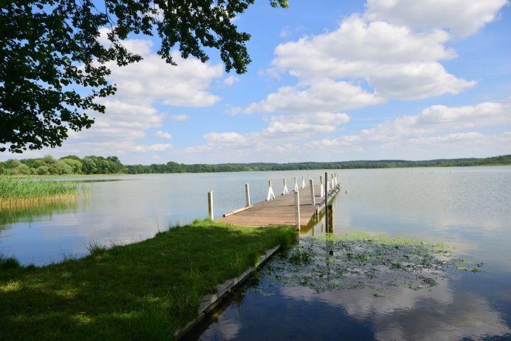 Angel- und Bootsteg am Labenzer See