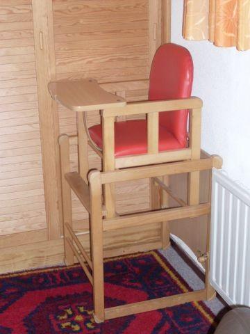 idealer Kinderhochstuhl (TÜV) mit zusätzlich kleiner Sitzeinlage