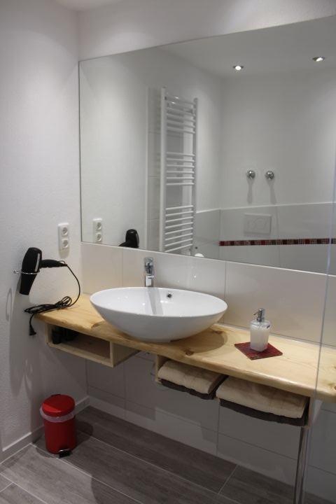 Viel Platz im geräumigen Badezimmer