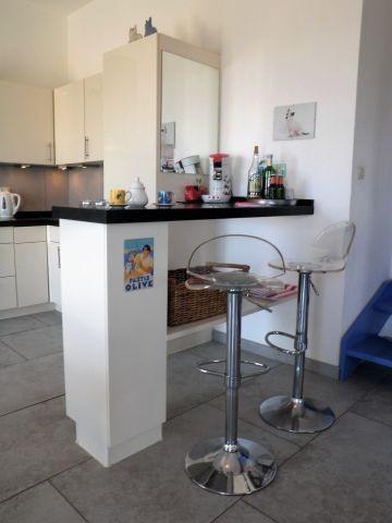 Tresen in der Granitküche