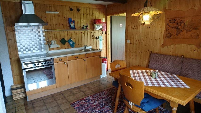 Wohnraum und Küche 2