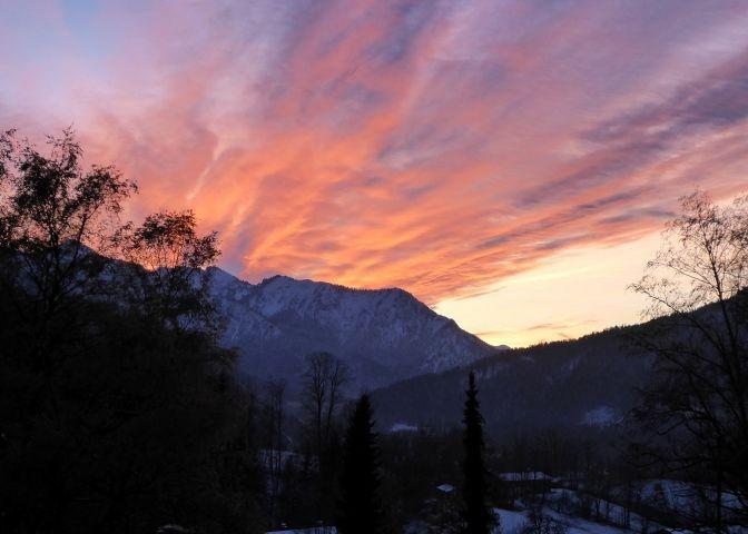 Sonnenuntergang am Haus
