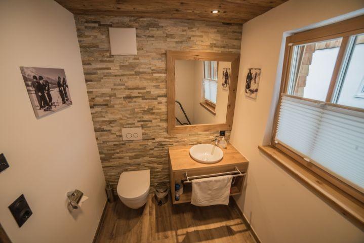 Separate, rollstuhlfreundliche Toilette