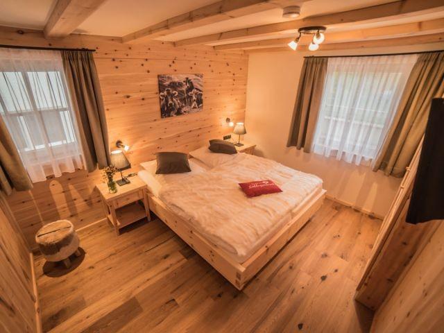 Das Schlafzimmer aus Zirbenholz