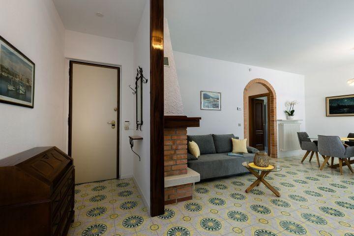 Eingang-Wohnzimmer