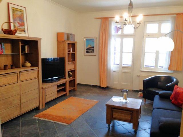 2. Blick in den Wohnraum.
