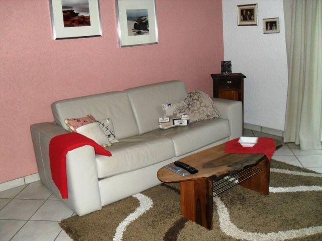 Hochwertige Leder Couch mit Schlaffunktion