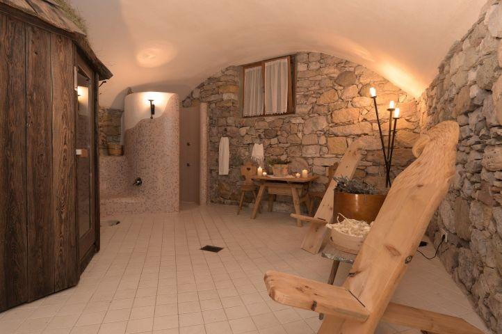 der alpine Wellnessbereich mit Sauna