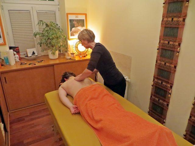 Massagen und Wellnessanwendungen in der direkt benachbarten SPA-Oase erhältlich !!