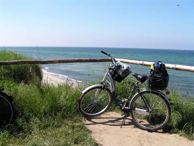 Tolle Radtouren am Strand bis Heiligendamm (2 Fahrräder sind bei uns inklusive).