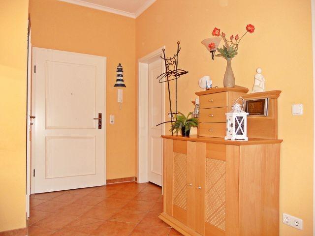 Eingangsbereich und Flur Ihrer Ferienwohnung (links daneben: der Abstellraum)
