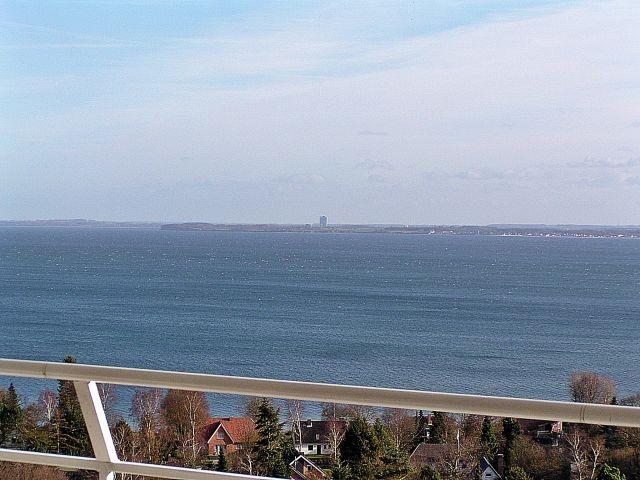 Traumhafter Blick vom Wohnzimmer auf die Ostsee bis nach Travemünde