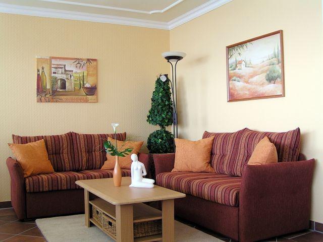 Komfortabler und gemütlicher Sitzbereich im Wohnzimmer