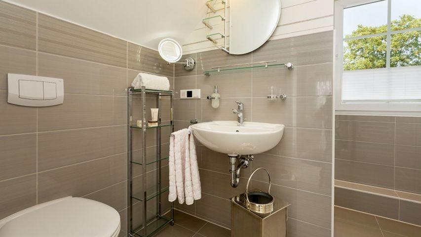 2. Bad im Obergeschoss mit Dusche