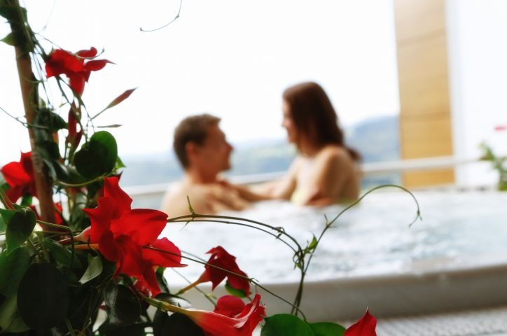 Romantik pur im Privat-Außen-Whrilpool