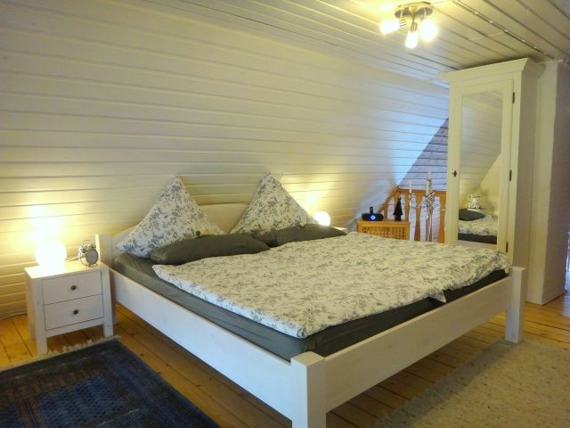 Im 1. OG befindet sich Ihre Schlafreich mit Doppelbett