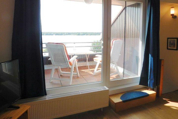 Möblierter Balkon mit Müritzblick