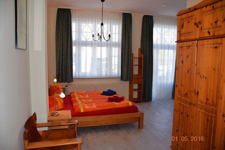 Blick in den 2.Schlafraum mit Doppel- und Etagenbett