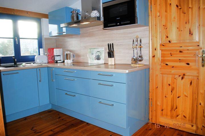 2.Blick auf die Küchenzeile und zum 1. Schlafraum