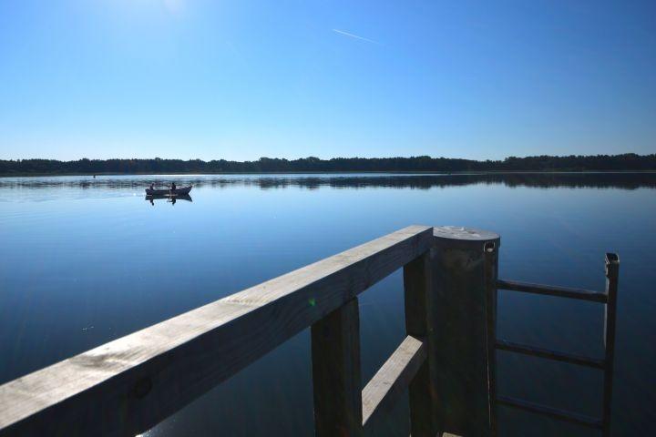 Ausblick auf dem See in der Nähe vom Haus