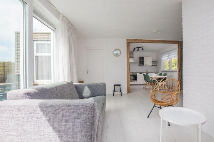 Das geschmackvoll eingerichtete, helle Wohnzimmer