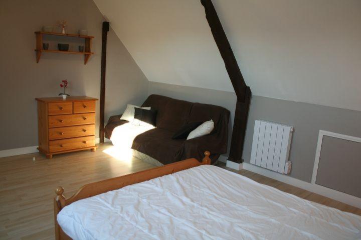 Schlafzimmer 2 im OG mit Sofa