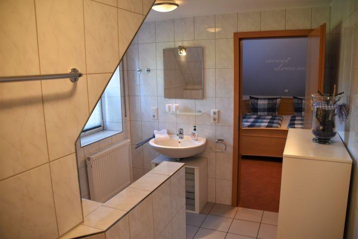 Bad en suite / Dusche und WC