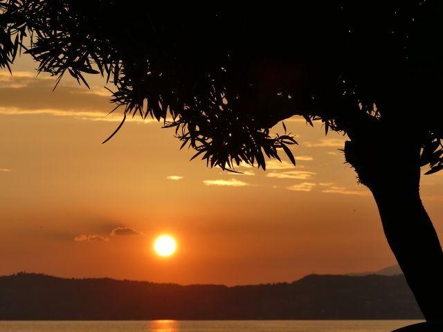 Der Sonnenuntergang am See....