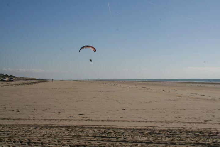 der kilometerlange Strand in Denneville