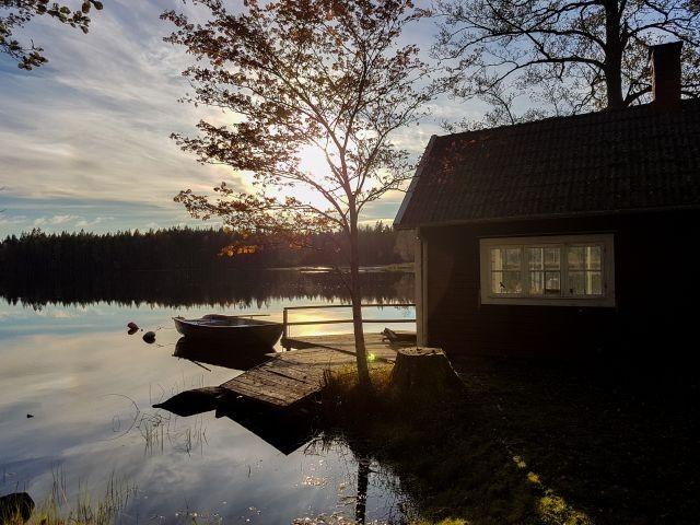 Kleines Häuschen direkt auf der Seekannte für kühlere Abende