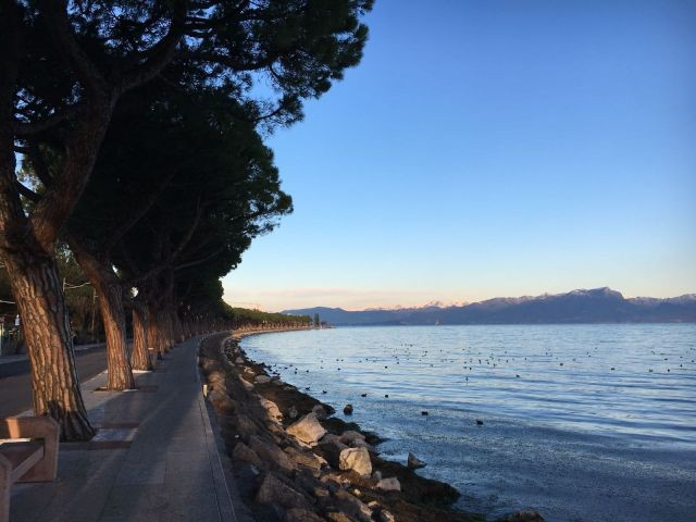 Die Seepromenade von Peschiera