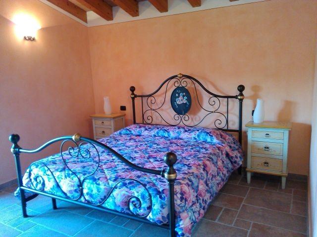 Das 2.e Schlafzimmer im OG mit Doppelbett