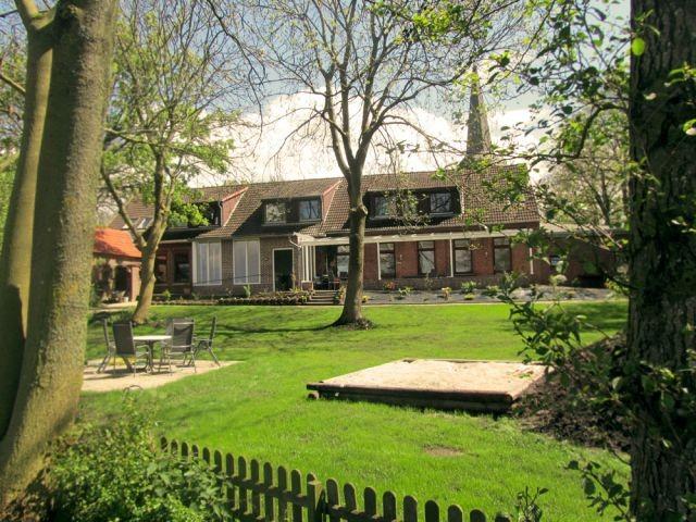 Eigener 2.000 m² großer eingezäunter Garten
