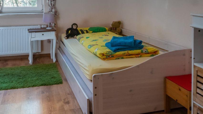 Kinderzimmer mit 2-3 Einzelbetten