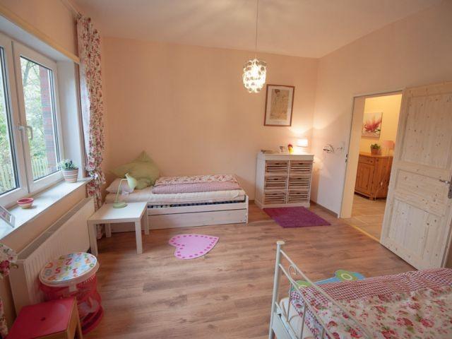 Kinderzimmer mit 2 Einzelbetten (0,90x2m)
