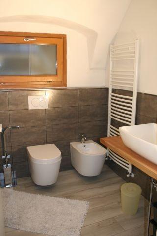 Badezimmer mit Dusche, WC,, WB, Bidet